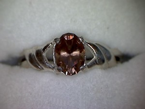 Harts Range (Mud Tank) Zircon 1.06 carat set in a silver ring.